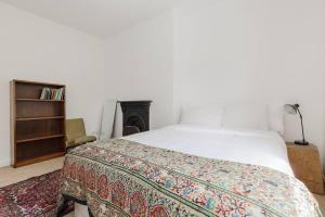Splendid 3 Bed, 2 Bath apt in East London, Apartmanok  London - big - 22