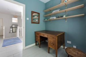Splendid 3 Bed, 2 Bath apt in East London, Apartmanok  London - big - 21