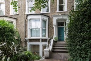 Splendid 3 Bed, 2 Bath apt in East London, Apartmanok  London - big - 14
