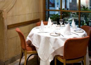La Gaffe - Restaurant with Rooms.  Foto 19