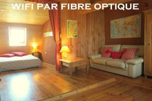 Refuge Renoir City Bed'n'Breakfast, Bed and Breakfasts  Chambéry - big - 1