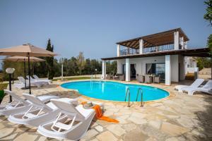 Villa Thalassa, Vily  Coral Bay - big - 10