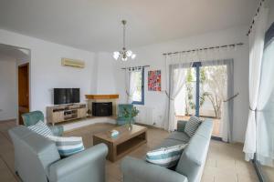 Villa Thalassa, Vily  Coral Bay - big - 5