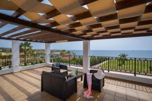 Villa Thalassa, Vily  Coral Bay - big - 23