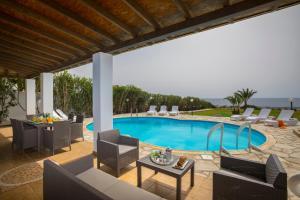 Villa Thalassa, Vily  Coral Bay - big - 29