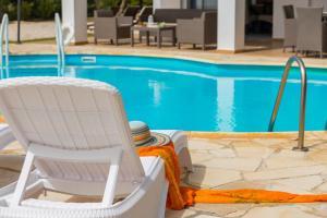Villa Thalassa, Vily  Coral Bay - big - 28