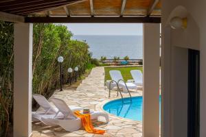 Villa Thalassa, Vily  Coral Bay - big - 21