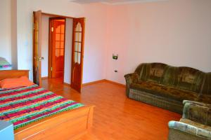 kvartiry posutochno ot Clean Hostel, Apartments  Ulan-Ude - big - 30