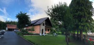 Rooms Family Glumac, Гостевые дома  Езерца - big - 95