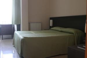 La Terrazza, Bed & Breakfast  Aci Castello - big - 18