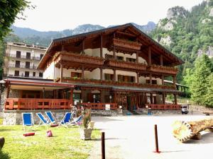 Hotel Pinete Ristorante & Pattinaggio - AbcAlberghi.com