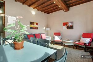 Splendid 3 bedroom Apartment in Florence (FC5056)