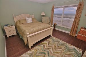 Sea Coast Gardens II 404, Prázdninové domy  New Smyrna Beach - big - 4