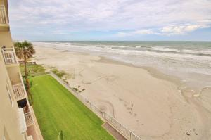 Sea Coast Gardens II 404, Prázdninové domy  New Smyrna Beach - big - 5
