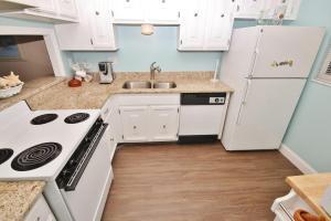 Sea Coast Gardens II 404, Prázdninové domy  New Smyrna Beach - big - 12