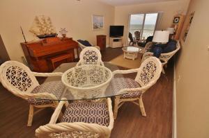 Sea Coast Gardens II 404, Prázdninové domy  New Smyrna Beach - big - 16
