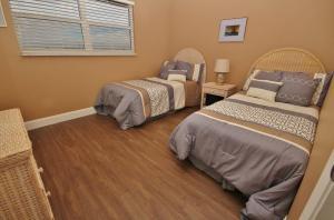 Sea Coast Gardens II 404, Prázdninové domy  New Smyrna Beach - big - 23