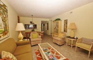 Sea Coast Gardens III 303, Case vacanze  New Smyrna Beach - big - 2