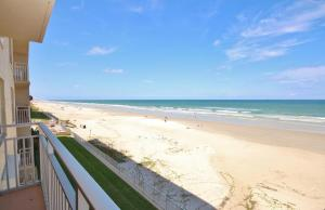 Sea Coast Gardens III 303, Case vacanze  New Smyrna Beach - big - 1