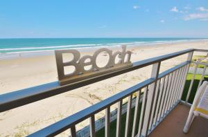 Sea Coast Gardens III 404, Dovolenkové domy  New Smyrna Beach - big - 1