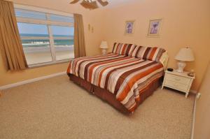 Sea Coast Gardens III 404, Dovolenkové domy  New Smyrna Beach - big - 12