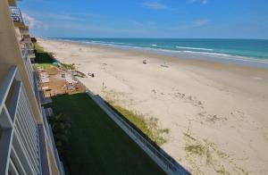 Sea Coast Gardens III 404, Dovolenkové domy  New Smyrna Beach - big - 14