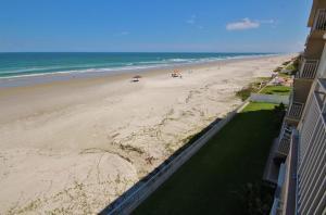 Sea Coast Gardens III 404, Dovolenkové domy  New Smyrna Beach - big - 15