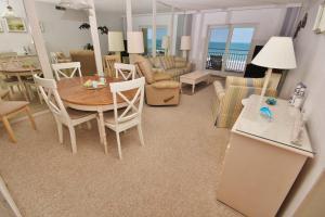 Sea Coast Gardens III 404, Dovolenkové domy  New Smyrna Beach - big - 19