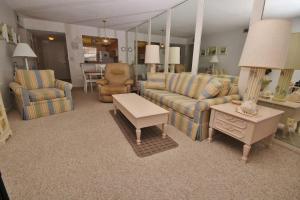 Sea Coast Gardens III 404, Dovolenkové domy  New Smyrna Beach - big - 22