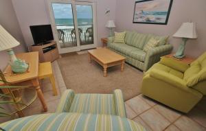 Sea Coast Gardens III 403, Prázdninové domy  New Smyrna Beach - big - 2