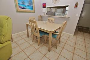 Sea Coast Gardens III 403, Prázdninové domy  New Smyrna Beach - big - 4