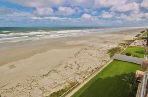 Sea Coast Gardens III 403, Дома для отпуска  Нью-Смирна-Бич - big - 10