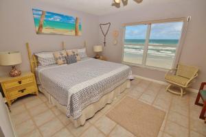 Sea Coast Gardens III 403, Prázdninové domy  New Smyrna Beach - big - 12
