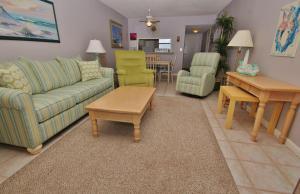 Sea Coast Gardens III 403, Prázdninové domy  New Smyrna Beach - big - 20