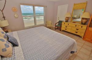 Sea Coast Gardens III 403, Prázdninové domy  New Smyrna Beach - big - 23