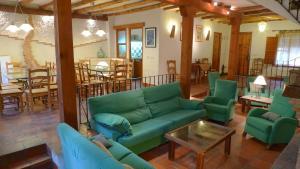 Casa rural El Pinche, Дома для отпуска  Espinoso del Rey - big - 5