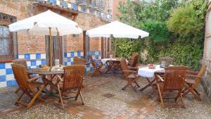 Casa rural El Pinche, Дома для отпуска  Espinoso del Rey - big - 3