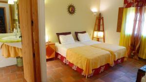 Casa rural El Pinche, Дома для отпуска  Espinoso del Rey - big - 9