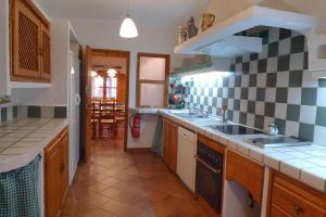 Casa rural El Pinche, Дома для отпуска  Espinoso del Rey - big - 6