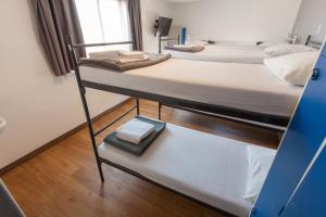 プライベートルーム ベッド6台&専用バスルーム付