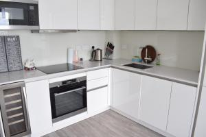 One Bedroom Flat Overlooking the Thames, Апартаменты  Лондон - big - 14