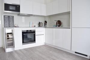 One Bedroom Flat Overlooking the Thames, Апартаменты  Лондон - big - 17