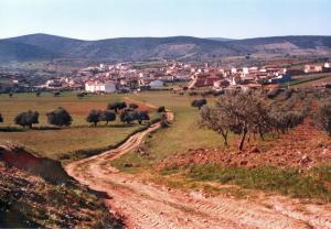 Casa rural El Pinche, Дома для отпуска  Espinoso del Rey - big - 2