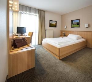 Hotel am Wald, Hotely  Monheim - big - 2