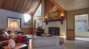 Dory Lakes Cabin, Holiday homes  Black Hawk - big - 38