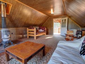 Dory Lakes Cabin, Holiday homes  Black Hawk - big - 42