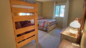 Dory Lakes Cabin, Holiday homes  Black Hawk - big - 43