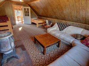 Dory Lakes Cabin, Holiday homes  Black Hawk - big - 46