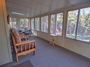 Dory Lakes Cabin, Holiday homes  Black Hawk - big - 56
