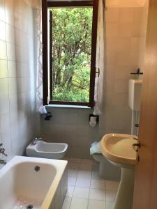 Ameglia - Villa sul Fiume - AbcAlberghi.com
